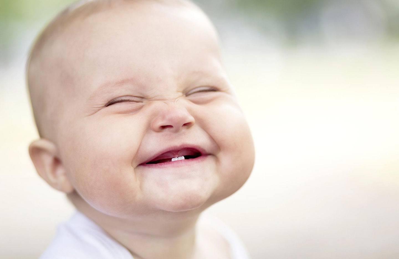 Quando nasce os dentinhos do bebê?