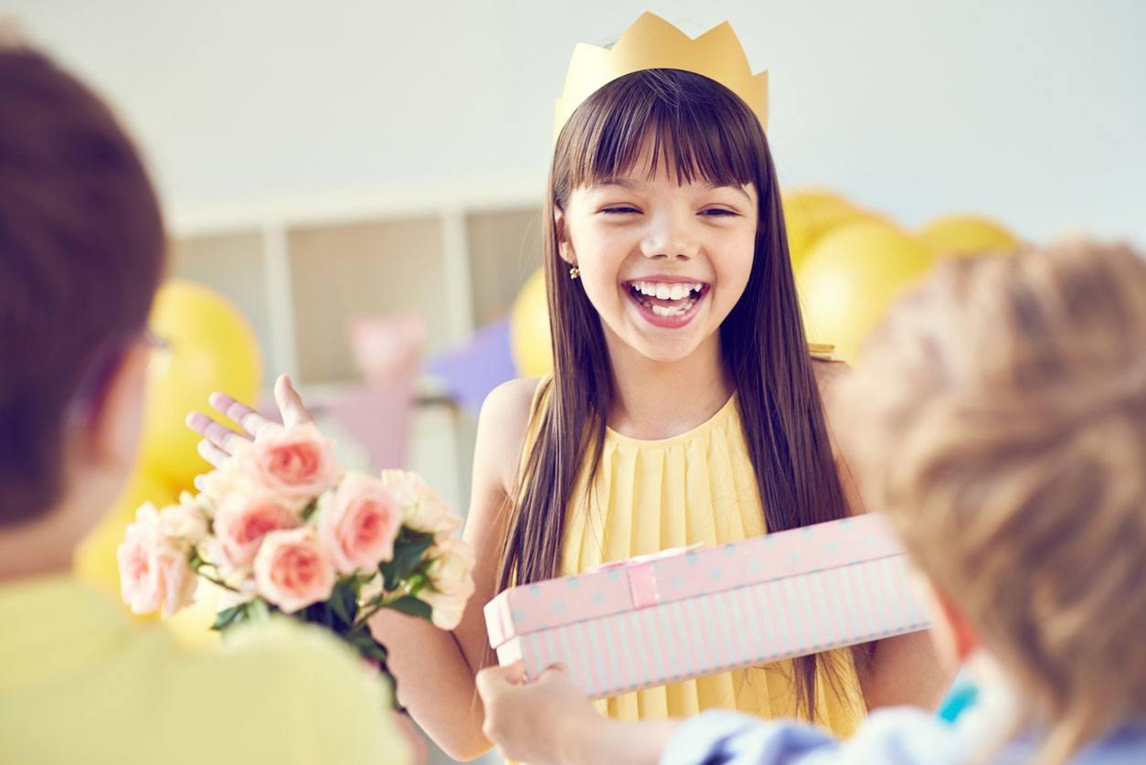 Escolha o presente de cada criança de acordo com a faixa etária!